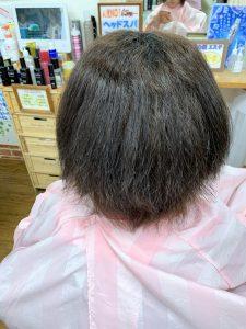 ショートカット後のくせ毛状態の画像